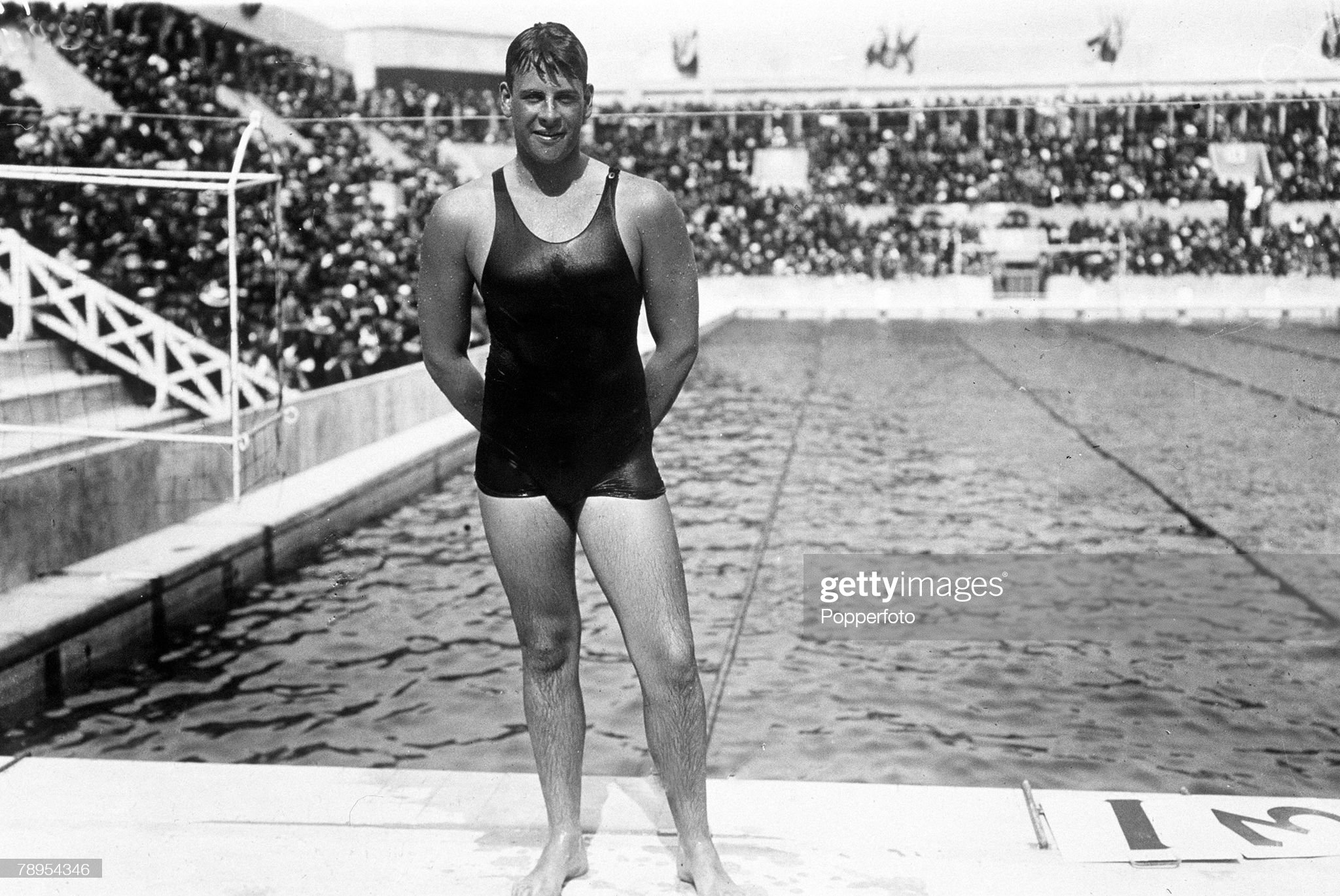 "Sport. Swimming. pic: 1924. Andrew ""Boy"" Charlton, Australia, who won the Swimming 1500 metres freestyle at the 1924 Paris Olympic Games. : Fotografía de noticias"
