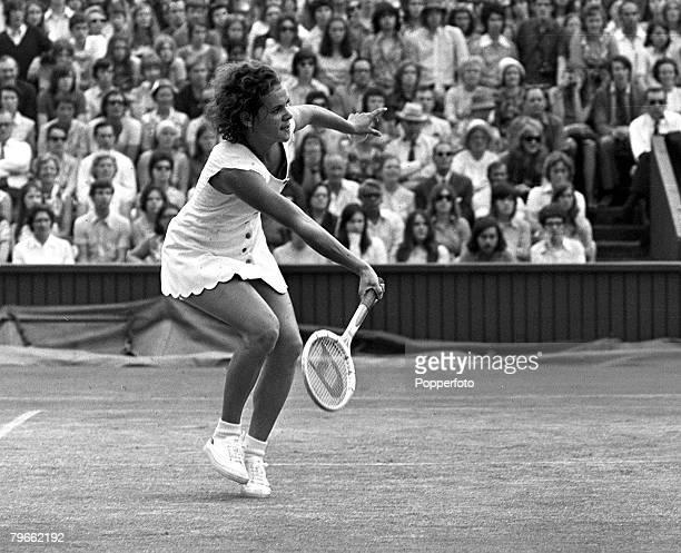 Sport Tennis All England Lawn Tennis Championships Wimbledon England 2nd July 1971 Ladies Singles Final 19 year old Australian Evonne Goolagong is...