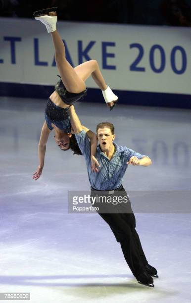 Sport Winter Olympic Games Salt Lake City Utah USA 22nd February 2002 Figure Skating Exhibition Pairs Jamie Sale David Pettetier Canada Gold Medal...