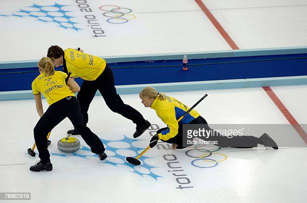 Sport, Winter Olympic Games, Torino, Italy, 10th - 26th February 2006, 14th February, Curling, Ladies Round Robin, Sweden's Anette Norberg releases...