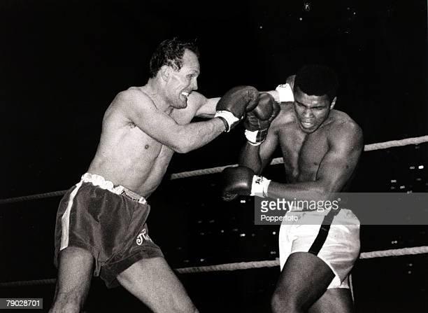 Sport/Boxing London England 21st May 1966 World Heavyweight Championship Highbury Stadium London Muhammad Ali USA right the Heavyweight Champion on...