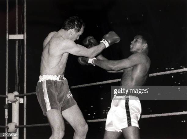 Sport/Boxing London England 21st May 1966 World Heavyweight Championship Highbury Stadium London Muhammad Ali USA rightthe Heavyweight Champion on...