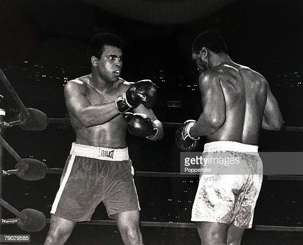 Sport/Boxing Madison Square Garden New York USA 8th March 1971 World Heavyweight Championship Muhammad Ali with the champion Joe Frazier in the fight...