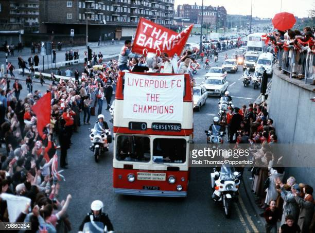Sport/Football, 29th May 1981, The victorious Liverpool team parade the European Cup on Merseyside after they had beaten Real Madrid 1-0 in Paris,...
