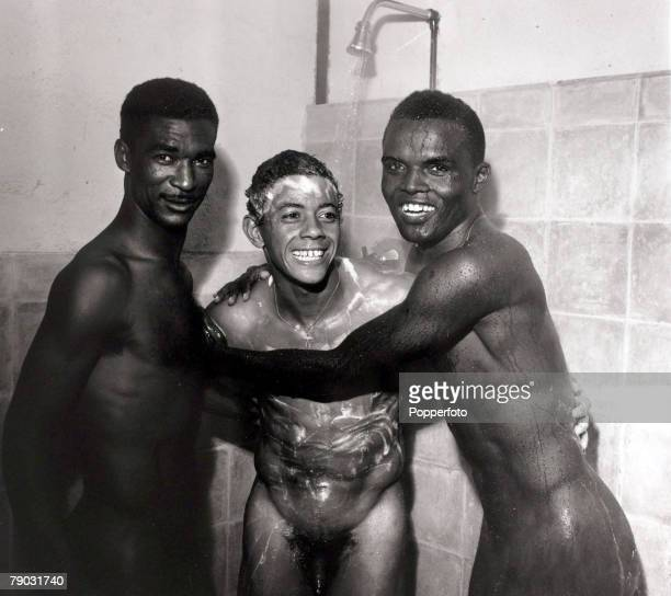 Sport/Football Brazil's LR Didi Amarildo and Zozimo showering as Brazil prepare for their 1962 World Cup campaign