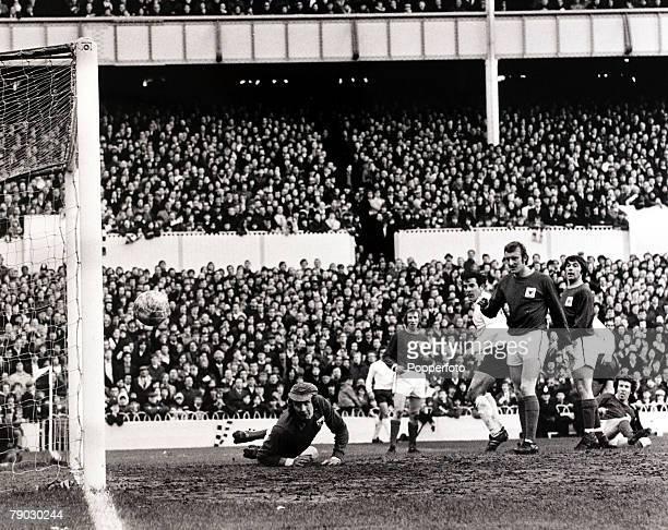 Sport/Football FA Cup Fifth Round White Hart Lane London England 13th February 1971 Tottenham Hotspur 2 v Nottingham Forest 1 Tottenham's Alan...