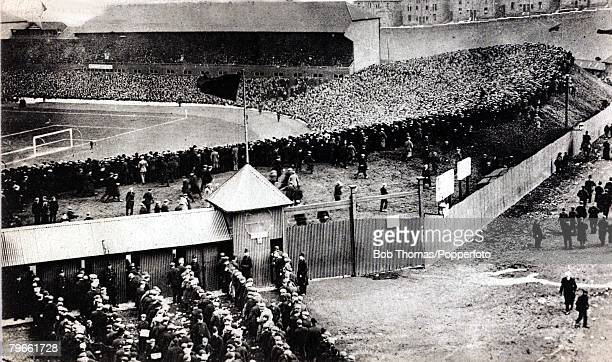 Sport/Football, International match, Scotland 1 v England 1, 4th April 1908, The massive crowd, reported to be 122 filling Hampden Park, Glasgow, for...