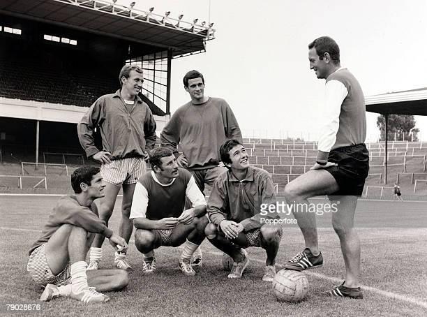 Sport/Football London England 11th August 1967 Arsenal Coach Dave Sexton instructs players at Highbury LR Frank Mclintock Terry Neill and Jon Sammels...