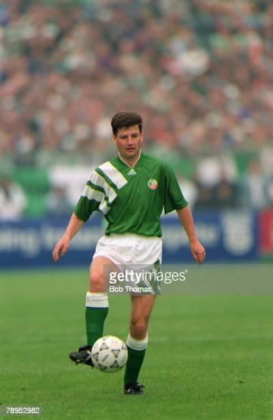 circa 1993 Denis Irwin Republic of Ireland defender who won 56 Republic of Ireland international caps 19912000 while playing at Manchester United