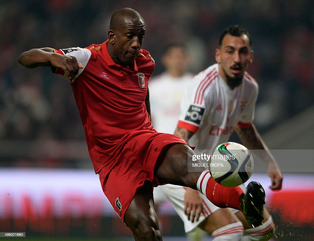 FBL-POR-LIGA-BRAGA-BENFICA : News Photo