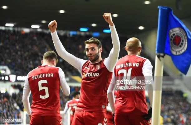 Sporting Braga's Spanish striker Abel Ruiz celebrates scoring his team's second goal during the UEFA Europa League round of 32 first leg football...