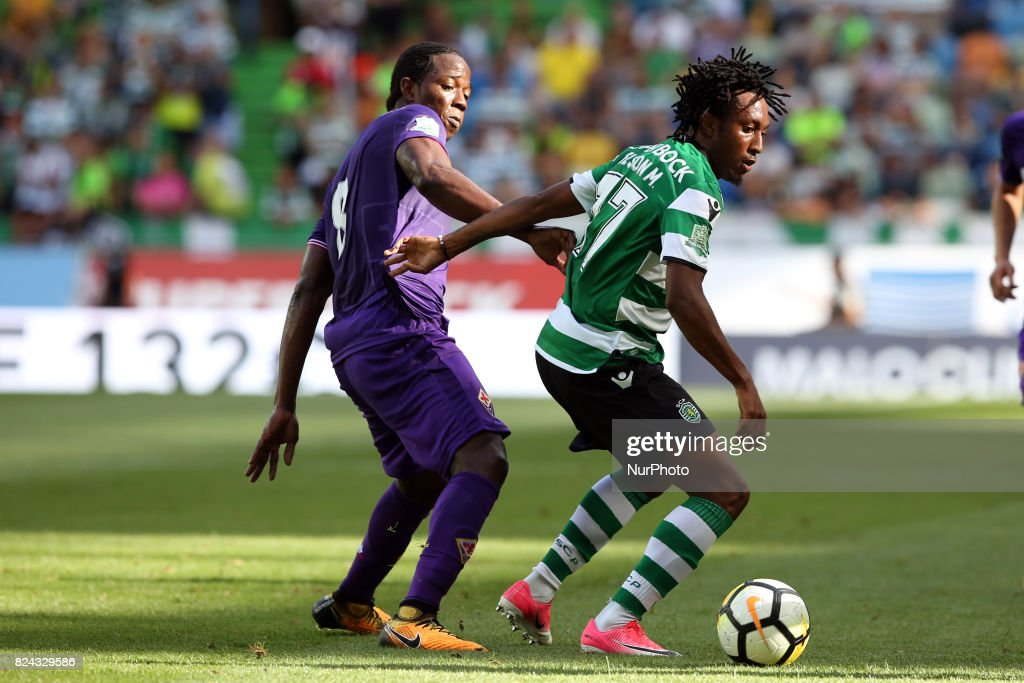 Sporting CP forward Gelson Martins from Portugal (R ) vies with Fiorentina midfielder Carlos Sanchez Moreno from Colombia during the Trophy Five Violins 2017 final football match Sporting CP vs ACF Fiorentina at Alvadade stadium in Lisbon, Portugal on July 29, 2017.