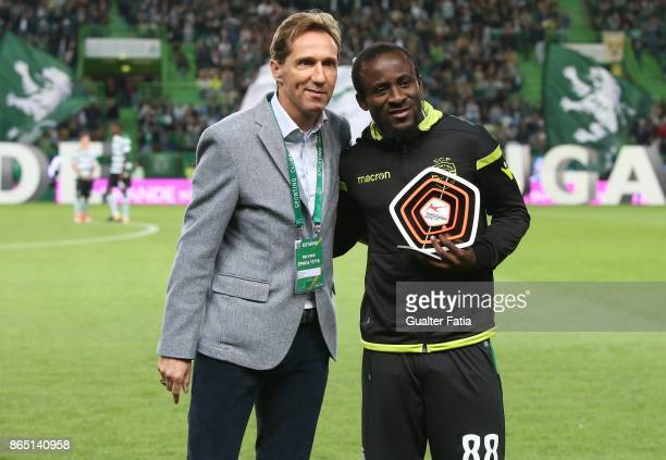 Sporting CP forward Seydou Doumbia from Ivory Coast receives the award for Top Scorer of the Swisse Superleague 2016/2017 before the start of the...