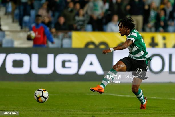 Sporting CP Midfielder Gelson Martins from Portugal during the Premier League 2017/18 match between CF Os Belenenses v Sporting CP at Estadio do...