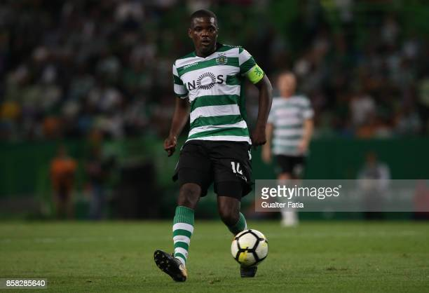 Sporting CP midfielder William Carvalho from Portugal in action during the Primeira Liga match between Sporting CP and FC Porto at Estadio Jose...