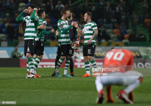 Sporting CP players celebrate the victory at the end of the Primeira Liga match between Sporting CP and Moreirense FC at Estadio Jose Alvalade on...