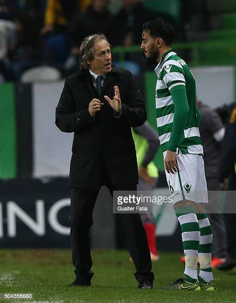 Sporting CP's coach Jorge Jesus talks to Sporting CP's midfielder Alberto Aquilani during the Primeira Liga match between Sporting CP and SC Braga at...
