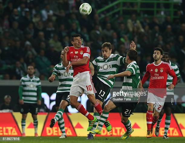 Sporting CPÕs defender Sebastian Coates from Uruguay with SL BenficaÕs midfielder from Argentina Nico Gaitan in action during the Primeira Liga match...