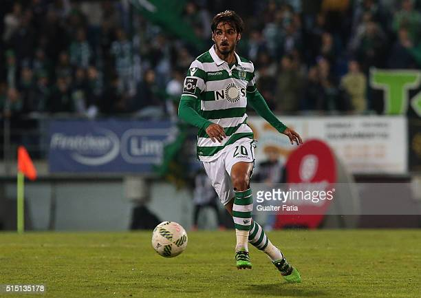Sporting CPÕs forward Bryan Ruiz from Costa Rica in action during the Primeira Liga match between GD Estoril Praia and Sporting CP at Estadio Antonio...