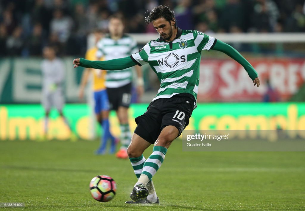 Sporting CP's forward Bryan Ruiz from Costa Rica in action during the Primeira Liga match between GD Estoril Praia and Sporting CP at Estadio Antonio Coimbra da Mota on February 25, 2017 in Estoril, Portugal.