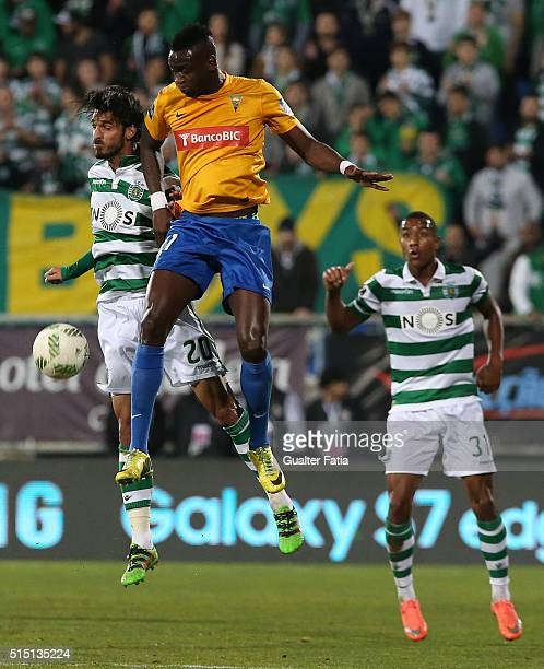 Sporting CPÕs forward Bryan Ruiz from Costa Rica with GD Estoril PraiaÕs forward Frederic Mendy in action during the Primeira Liga match between GD...