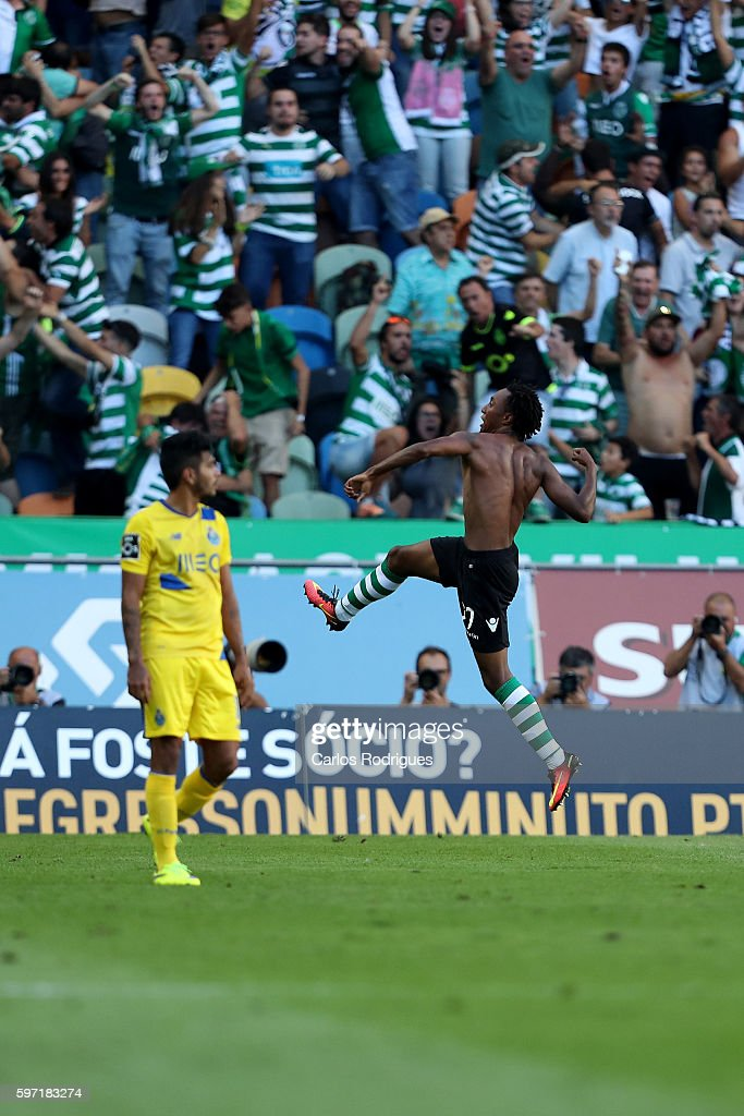 Sporting CP's forward Gelson Martins from Portugal celebrates scores Sporting's second goal during the Portuguese Primeira Liga between Sporting CP and FC Porto at Estadio Jose Alvalade on August 28, 2016 in Lisbon, Portugal.