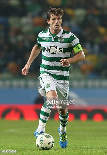 Sporting CP's midfielder Adrien Silva in action during the Primeira Liga match between Sporting CP and Vitoria Setubal at Estadio Jose Alvalade on...