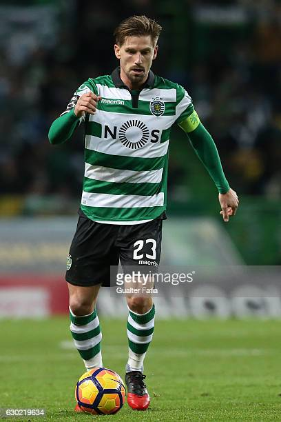 Sporting CP's midfielder Adrien Silva in action during the Primeira Liga match between Sporting CP and SC Braga at Estadio Jose Alvalade on December...