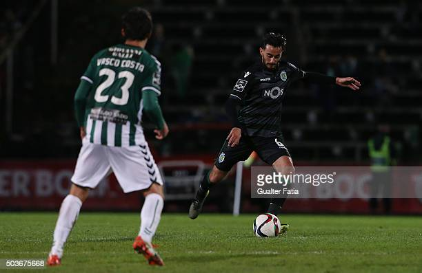 Sporting CP's midfielder Alberto Aquilani in action during the Primeira Liga match between Vitoria Setubal and Sporting CP at Estadio do Bonfim on...