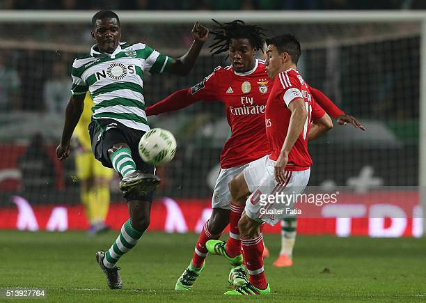 Sporting CPÕs midfielder William Carvalho in action during the Primeira Liga match between Sporting CP and SL Benfica at Estadio Jose Alvalade on...