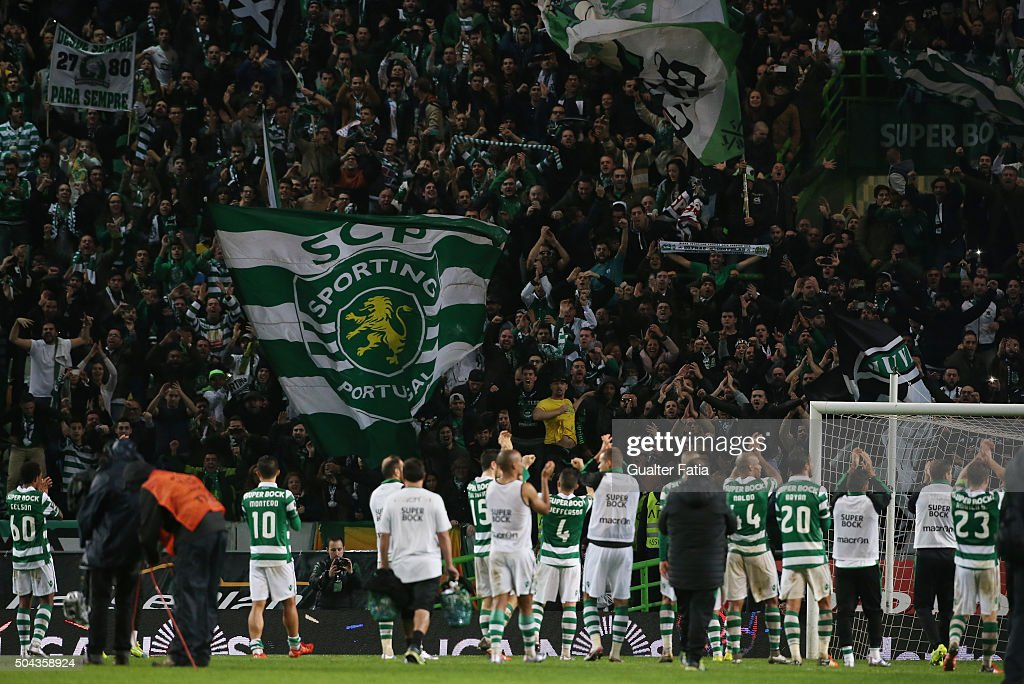 Sporting CP's players celebrate with supporters the victory at the end of the Primeira Liga match between Sporting CP and SC Braga at Estadio Jose Alvalade on January 10, 2016 in Lisbon, Portugal.