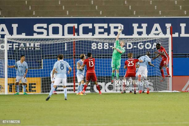 Sporting Kansas City goalkeeper Tim Melia gets his hand on a crossing ball during the MLS match between Sporting KC and FC Dallas on April 22, 2017...