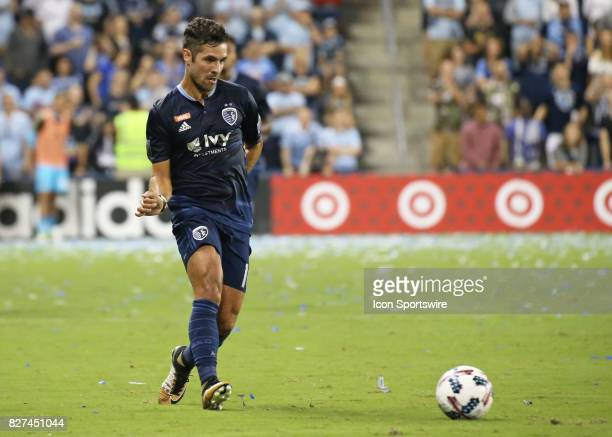 Sporting Kansas City midfielder Benny Feilhaber passes the ball in the second half of an MLS match between Atlanta United and Sporting KC on August...