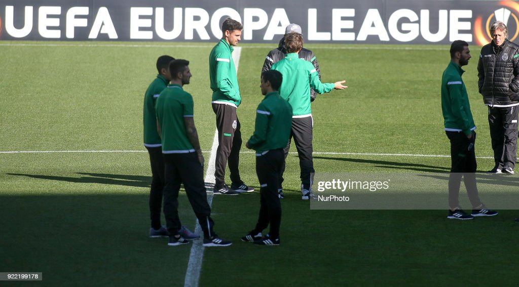 Sporting Training and Press Conference : News Photo