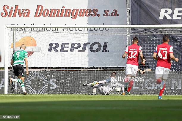 Sporting's Algerian forward Islam Slimani score a goal during the Premier League 2015/16 match between SC Braga and Sporting CP at AXA Stadium in...