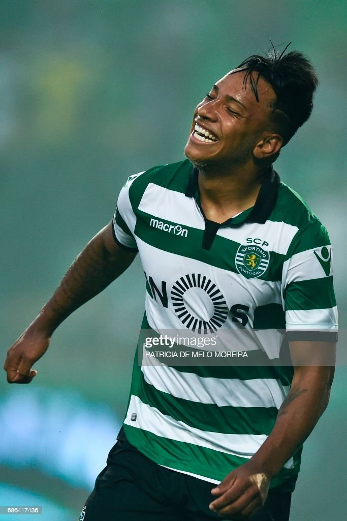 Sporting's Brazilian forward Matheus Pereira celebrates after scoring during the Portuguese league football match Sporting CP vs GD Chaves at the Jose Alvalade stadium in Lisbon on May 21, 2017. /