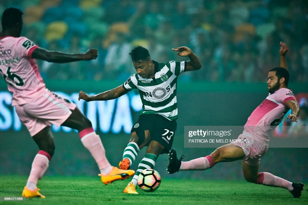 Sporting's Brazilian forward Matheus Pereira kicks the ball to score during the Portuguese league football match Sporting CP vs GD Chaves at the Jose Alvalade stadium in Lisbon on May 21, 2017. /