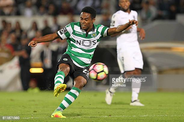 Sporting's Brazilian midfielder Elias shooting for goal Premier League 2016/17 match between Vitoria SC and Sporting CP at Dao Afonso Henriques...