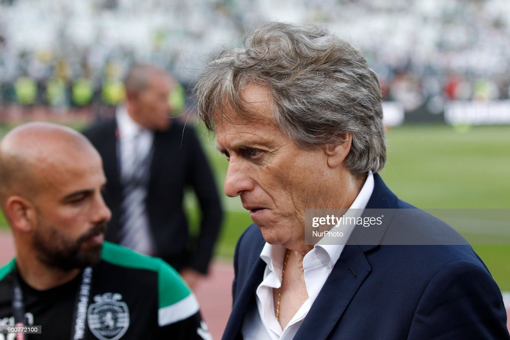 Sporting's coach Jorge Jesus (R) reacts after losing the Portugal Cup Final football match CD Aves vs Sporting CP at the Jamor stadium in Oeiras, outskirts of Lisbon on May 20, 2018.