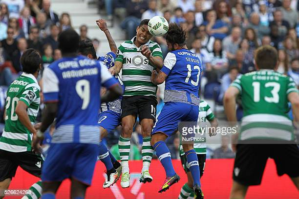 Sporting's Colombian forward Te��filo Guti��rrez vies with Porto's Portuguese midfielder S��rgio Oliveira during the Premier League 2015/16 match...