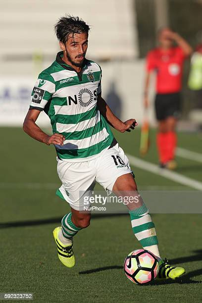 Sporting's Colombian miedfielder Bryan in action during the Premier League 2016/17 match between Pacos Ferreira v Sporting CP at Mata Real Stadium in...