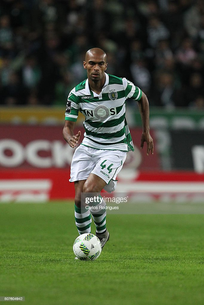 Sporting's defender Naldo during the match between Sporting CP and A Academica de Coimbra for the Portuguese Primeira Liga at Jose Alvalade Stadium on January 30, 2016 in Lisbon, Portugal.