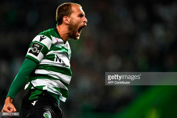 Sporting's Dutch forward Bas Dost celebrates after scoring a goal during the Portuguese league football match Sporting CP vs GD Chaves at the Jose...