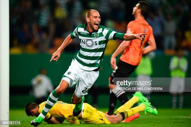 Sporting's Dutch forward Bas Dost celebrates after scoring during the Portuguese league football match Sporting CP vs Boavista FC at the Jose...