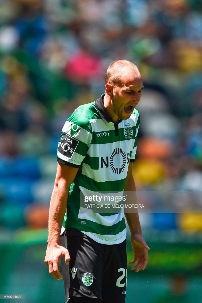 Sporting's Dutch forward Bas Dost shouts after missing a goal opportunity during the Portuguese league football match Sporting CP vs OS Belenenses at the Jose Alvalade stadium in Lisbon on May 7, 2017. /