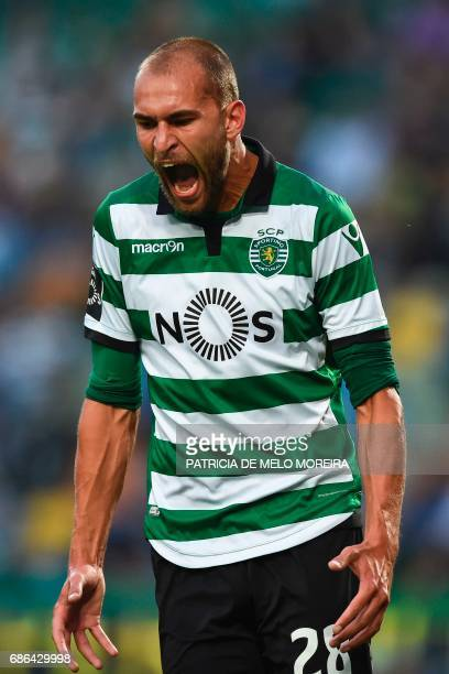 Sporting's Dutch forward Bas Dost shouts after missing a goal opportunity during the Portuguese league football match Sporting CP vs GD Chaves at the...