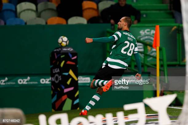 Sporting's forward Bas Dost celebrates his goal during Primeira Liga 2017/18 match between Sporting CP vs SC Braga in Lisbon on November 5 2017