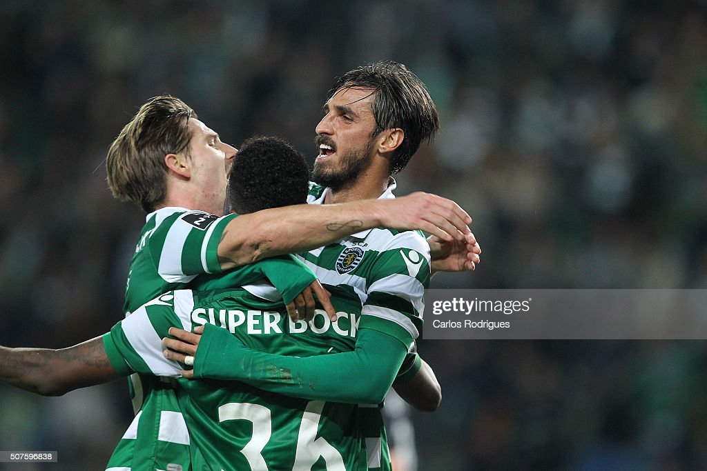 Sporting's forward Bryan Ruiz celebrates scoring Sporting's second goal with his team mates during the match between Sporting CP and A Academica de Coimbra for the Portuguese Primeira Liga at Jose Alvalade Stadium on January 30, 2016 in Lisbon, Portugal.