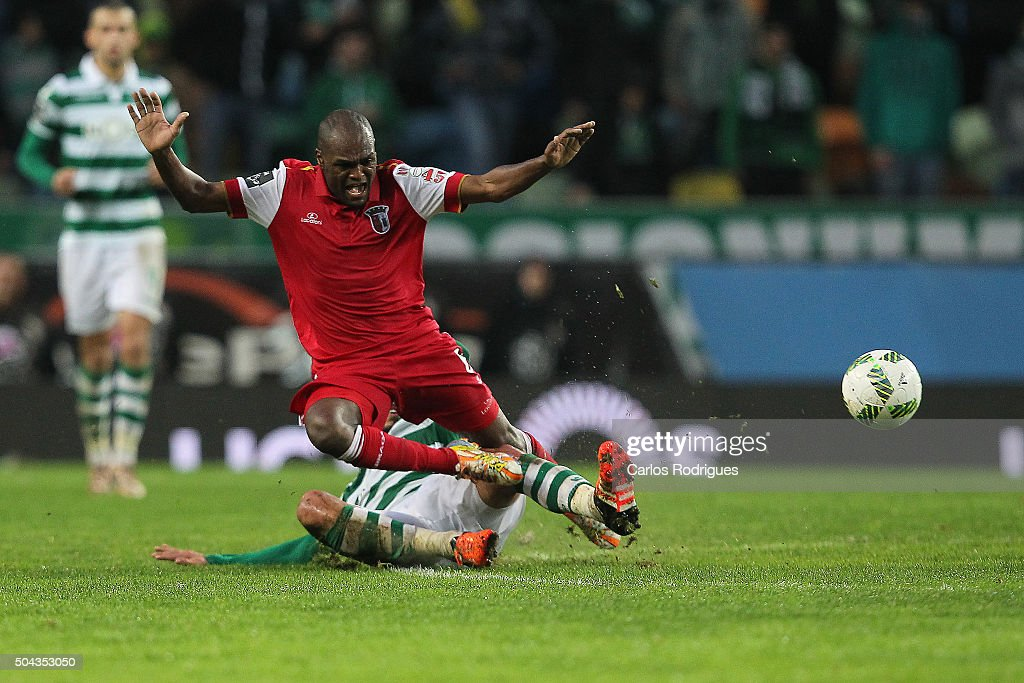 Sporting's forward Bryan Ruiz tackles Braga's midfielder Luiz Carlos during the match between Sporting CP and SC Braga for the Portuguese Primeira Liga at Jose Alvalade Stadium on September 21 2015 in Lisbon, Portugal.