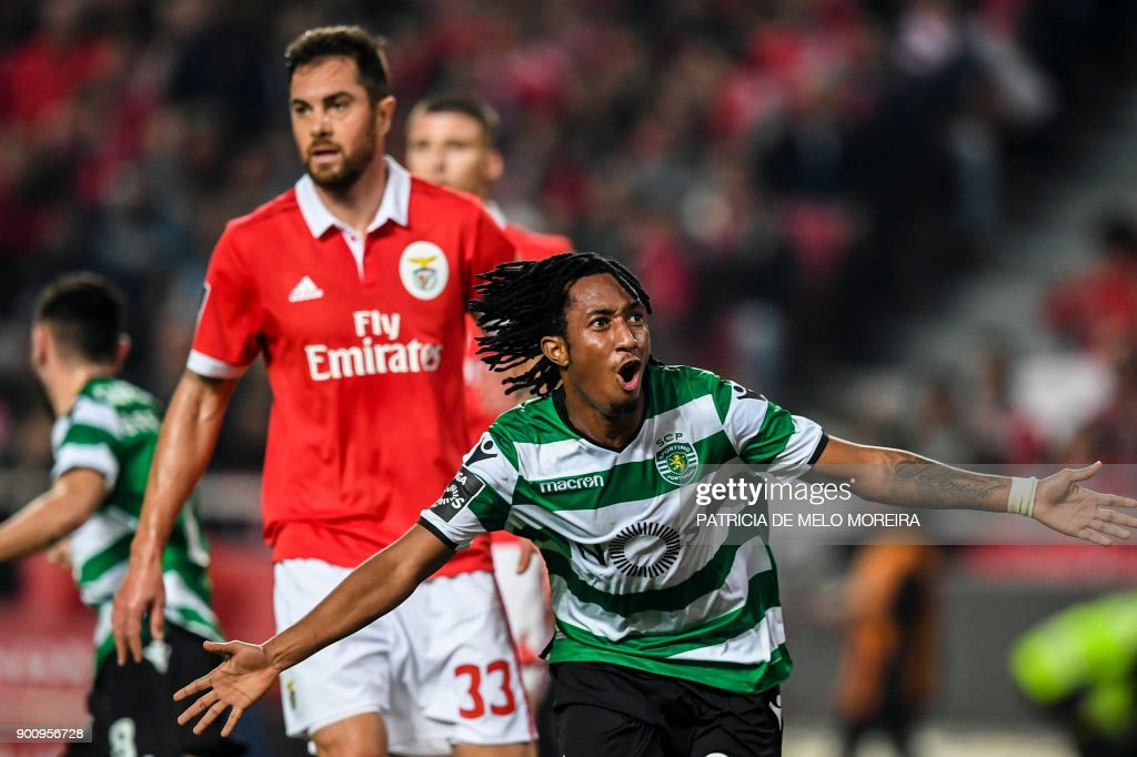 Sporting's forward Gelson Martins celebrates a goal during the Portuguese league football match SL Benfica vs Sporting CP at the Luz stadium in Lisbon on January 3, 2018. /